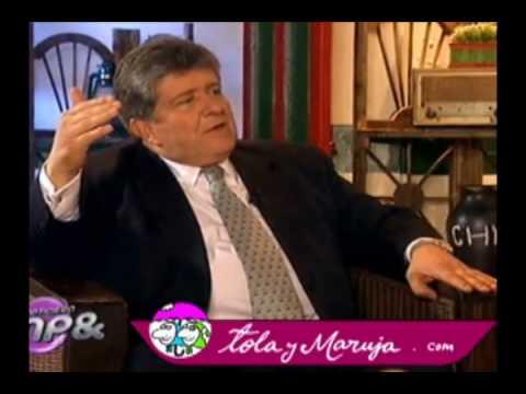 Tola y Maruja con Julio Cesar Turbay Quintero
