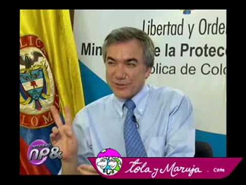 Tola y Maruja entrevistan al Ministro de protección social
