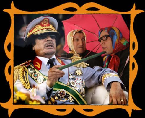 con Muamar Gadafi