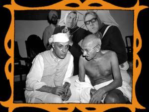 con Gandhi